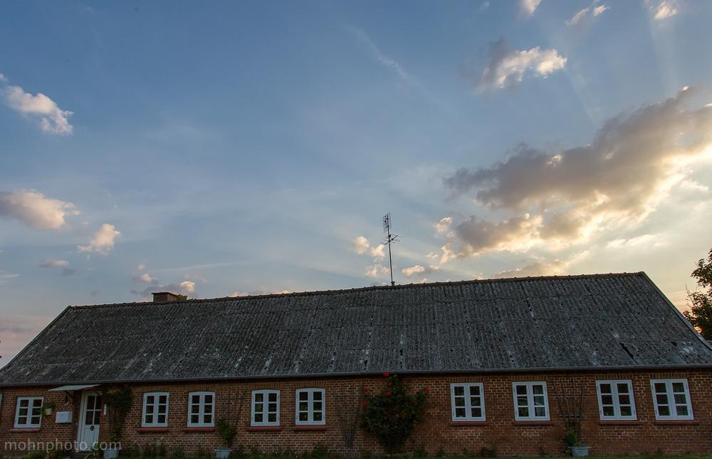 Dansk murhus i soloppgang