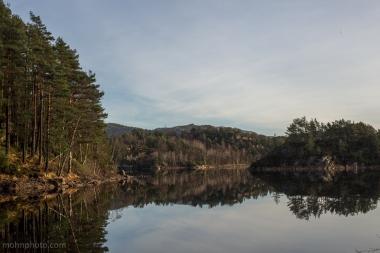 Alvøen-Winter-Reflections