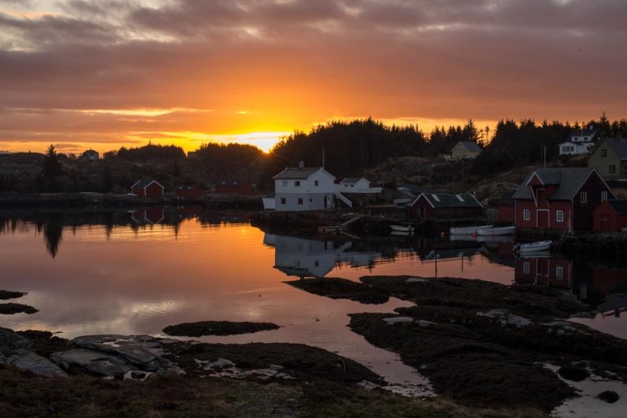 Sunrise boat houses